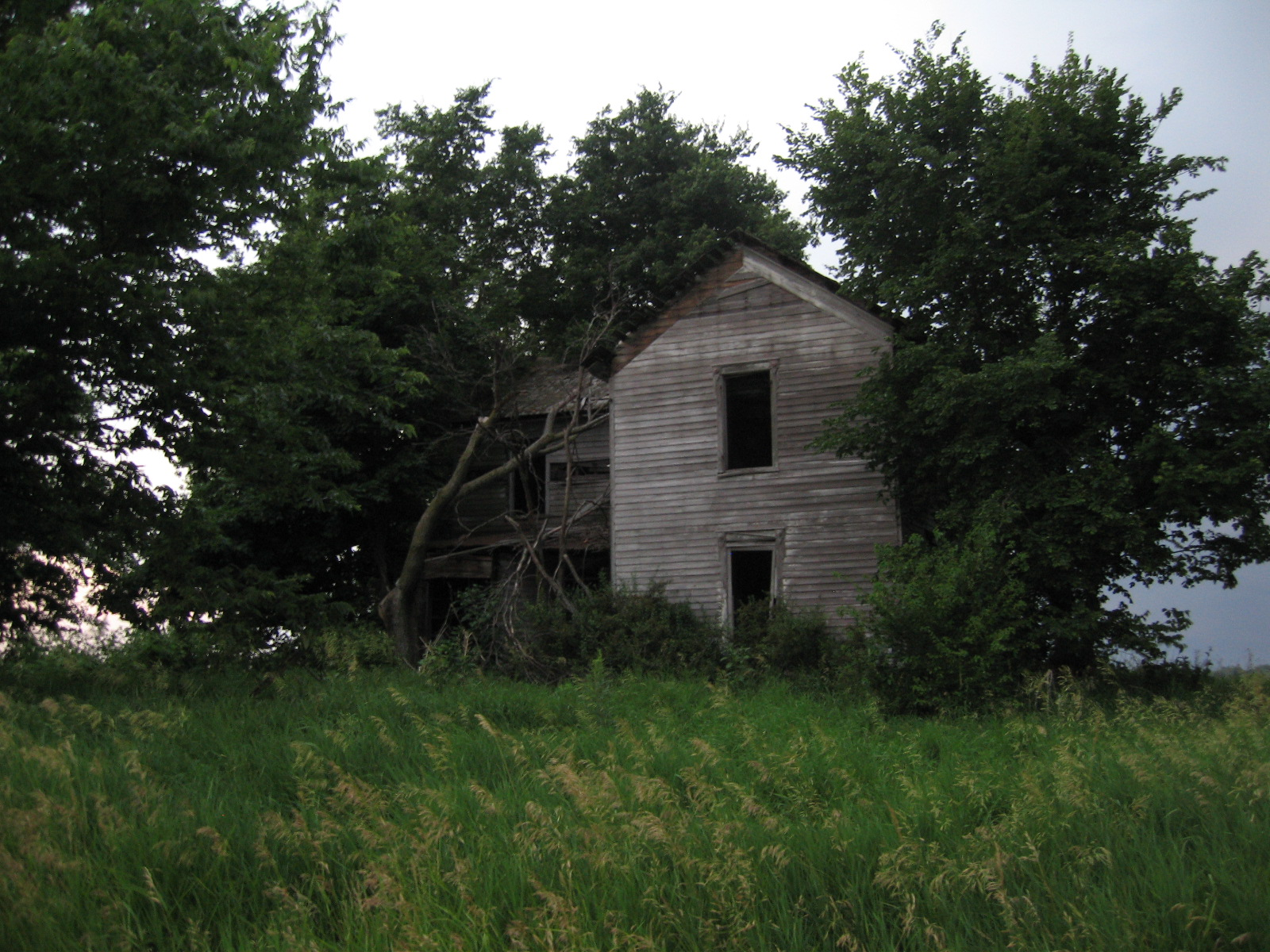 Abandoned Farm House Outside Washington Illinois – St Louis Patina