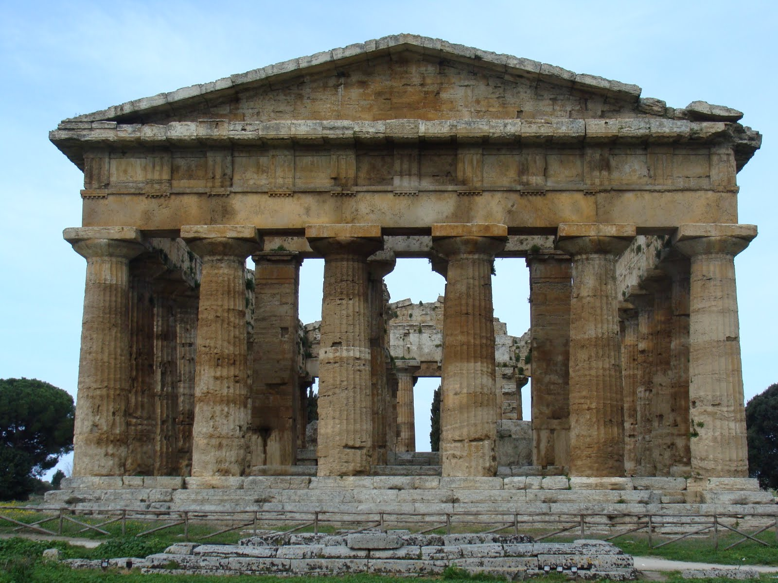 Paestum 1 st louis patina for Special landmarks