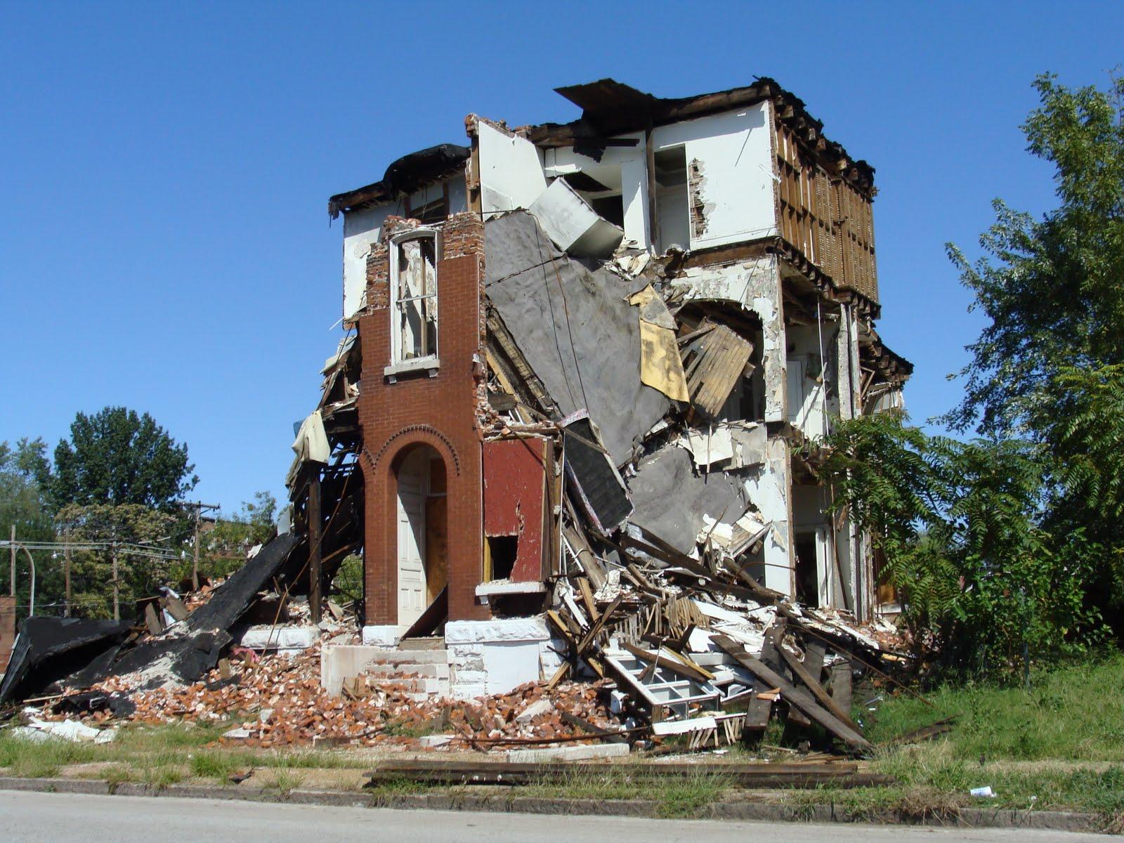 Saint Louis Place Brick Rustling Around St Augustine St Louis Patina