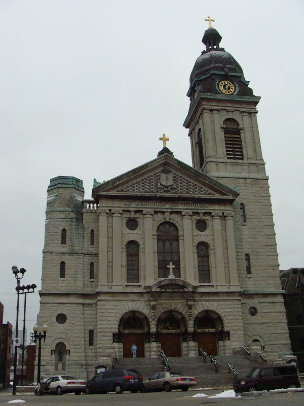 Chicago and St. Louis: Differences in Ecclesiastical Archtitecture