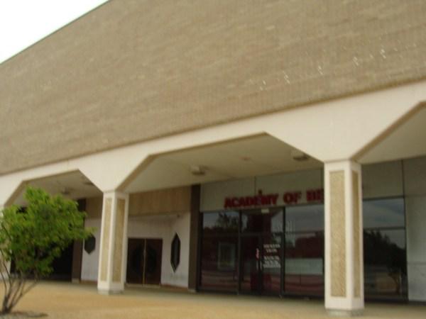 Northwest Plaza Exterior