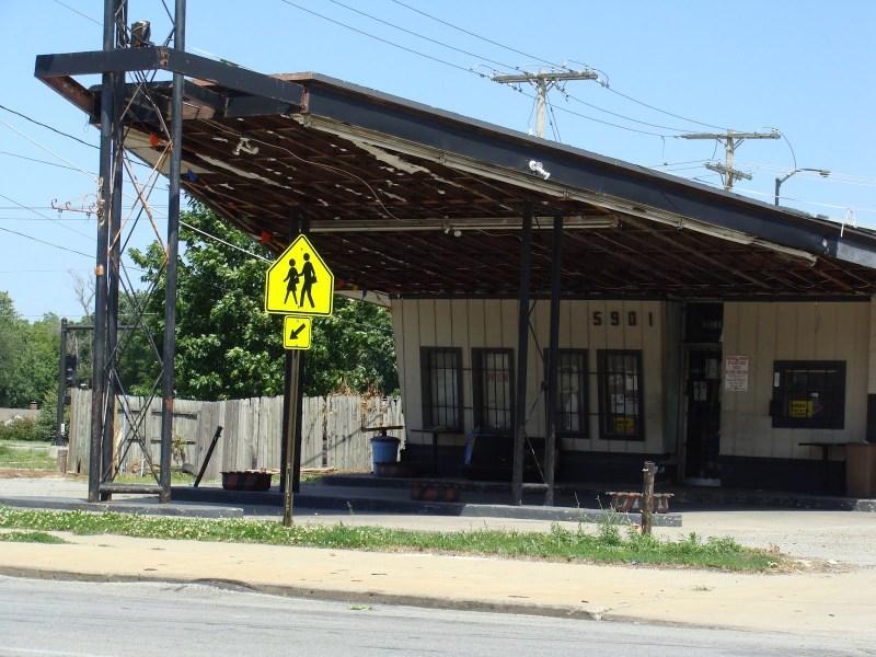 Abandoned Delta Wing Gas Station, South Kansas City, Missouri